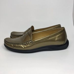 Cole Haan Gold Loafer sz 6